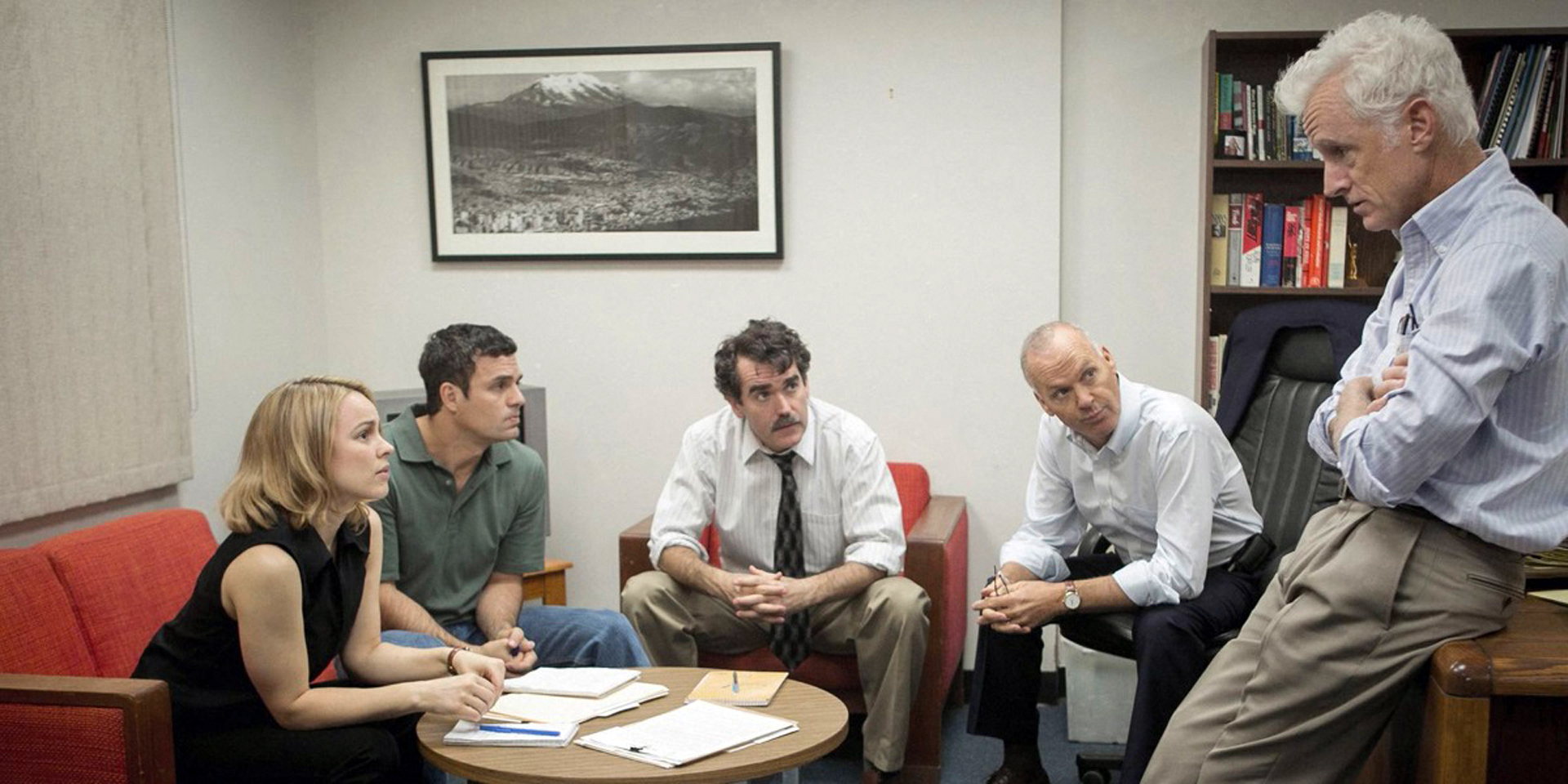 Rachel McAdams, Mark Ruffalo, Brian d'Arcy James, Michael Keaton and John Slattery star in Spotlight.