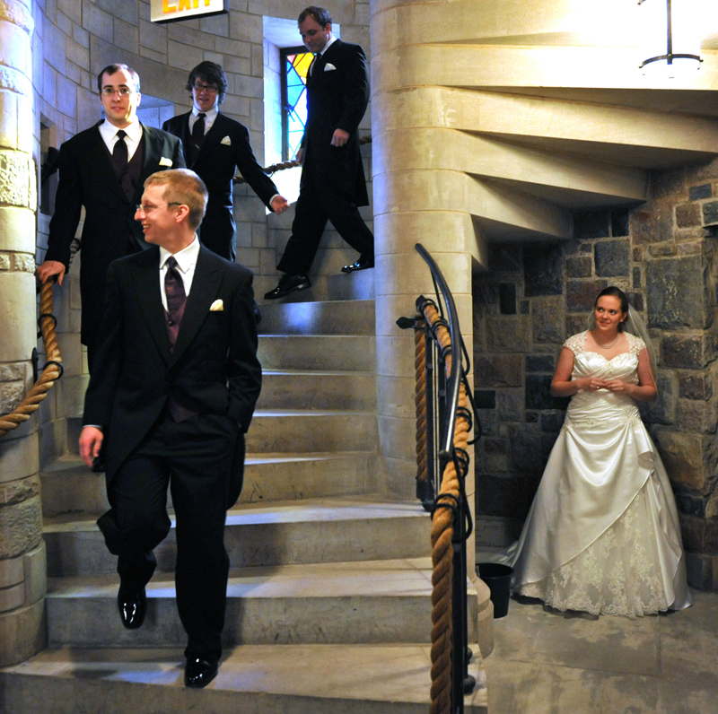 Rodney Curtis is a Troy, Michigan wedding photographer serving the Greater Detroit areas of Wayne, Oakland and Macomb counties. Rodney also travels across the state and country too and has photographed wedding couples in such exotic locations as Paris, Jamaica and Lansing & Ann Arbor.