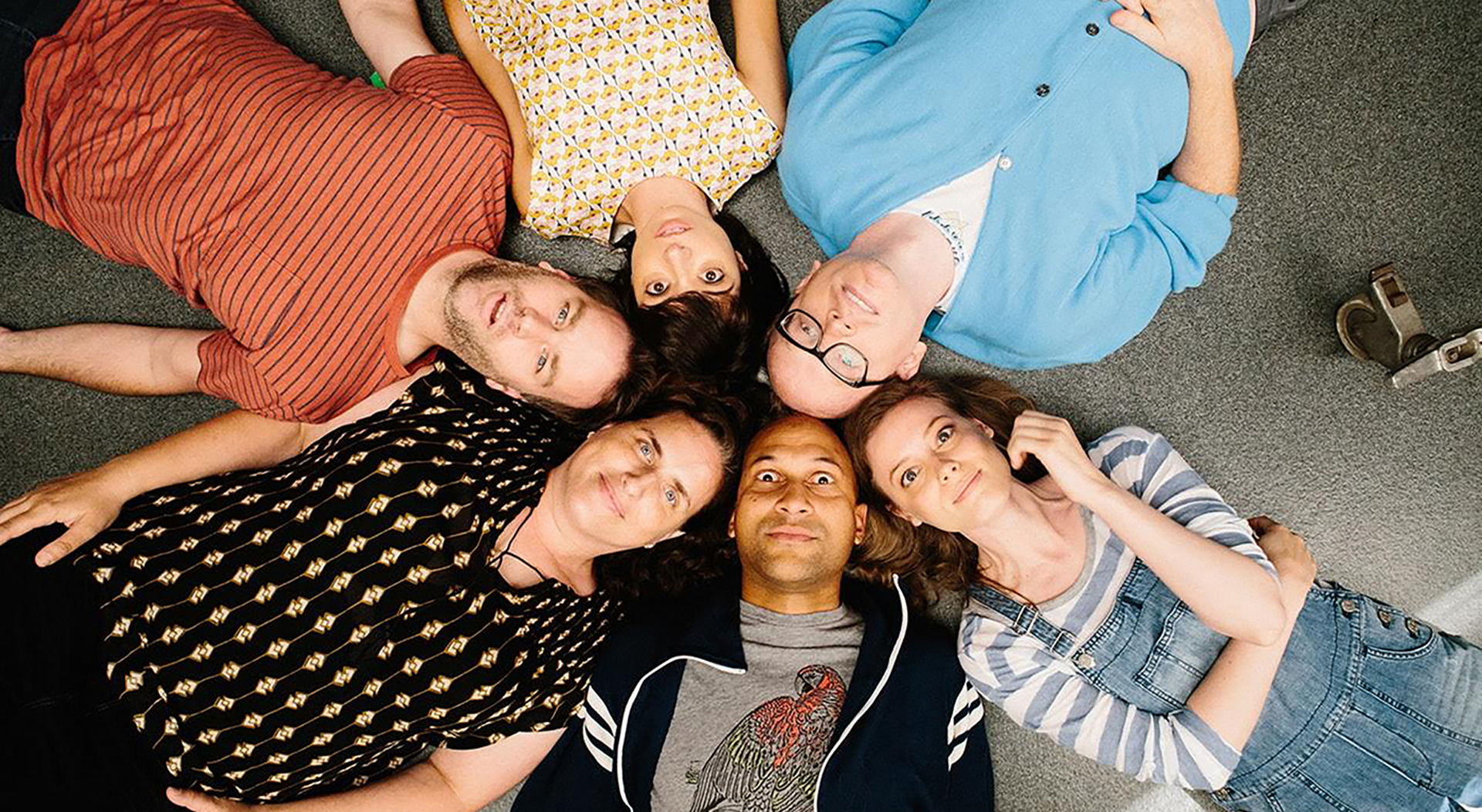 Clockwise from 10:00 o'clock: Mike Birbiglia, Kate Micucci, Chris Gethard, Gillian Jacobs, Keegan-Michael Key and Tami Sagher star in Don't Think Twice.